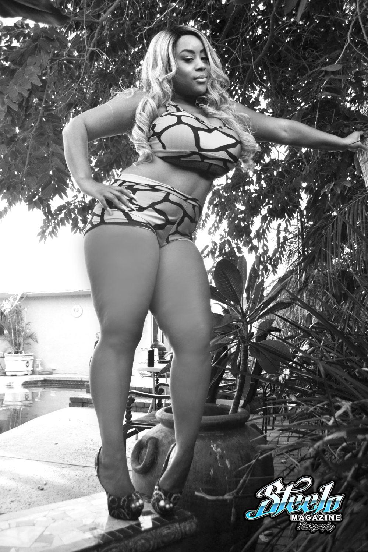 april-swimsuit-shoot-2nd-cam-349